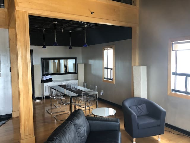 Open-Concept Living and Dining Room