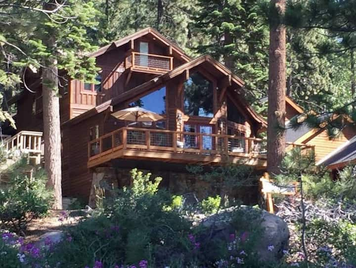 Fabulous Donner Lake House, Great Views, Sleeps 10