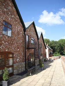 The Hayloft, romantic first floor apartment - Blandford Forum