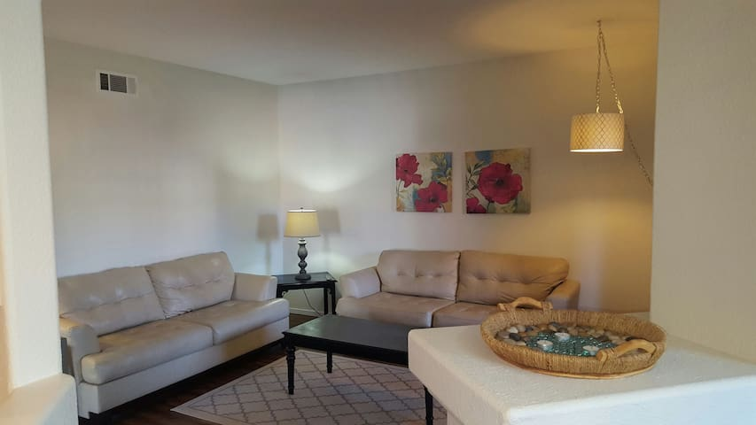 Furnished condo, close to the strip. - Las Vegas - Leilighet