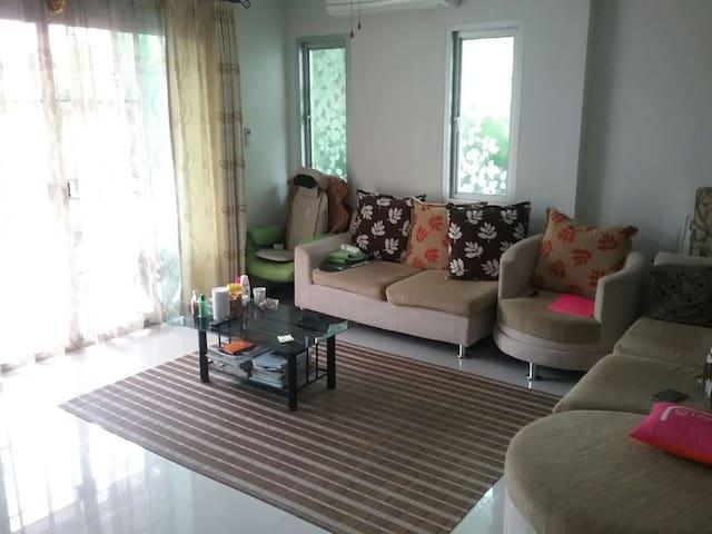 Bangsaen Home stay Chonburi 2 rooms - Bang Saen Chonburi - Casa