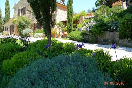 Elegant Country house set in  a lovely garden