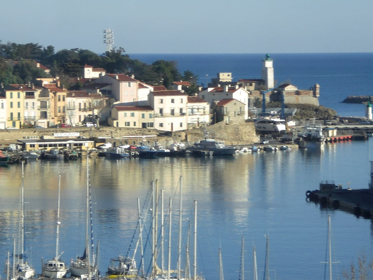 Vue panoramique du Port et de la méditérannée