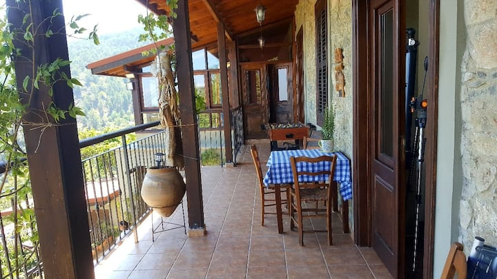 CasaLambra Pedoulas Traditional House Troodos area
