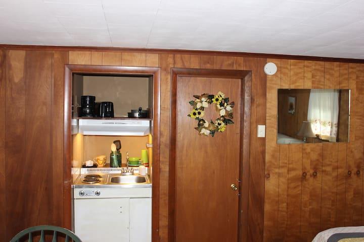The Gingerbread Inn And Farm Vixen's Sunflower
