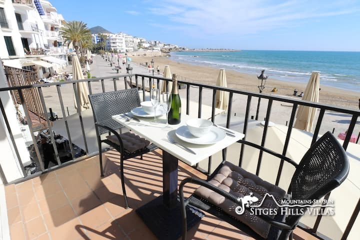 Happy Apartment right by the Beach in Sitges