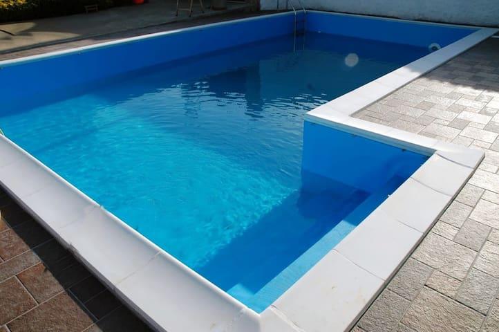 Villa al mare con piscina privata a 45 km da Roma