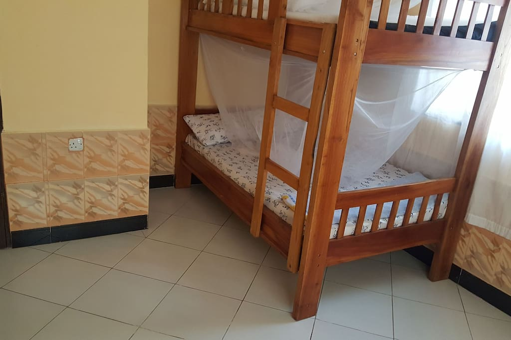 Comfortable bunk bed, suitable for 4pax.