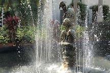 Dolphin Fountain, Lobby