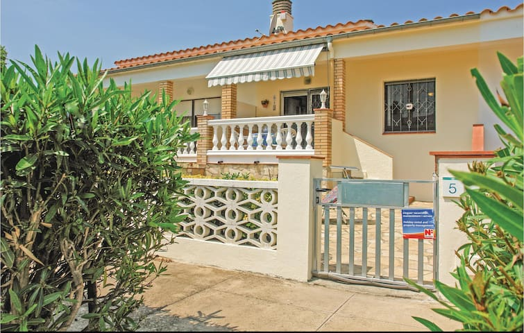 Terraced house with 2 bedrooms on 67m² in Sant Pere Pescador