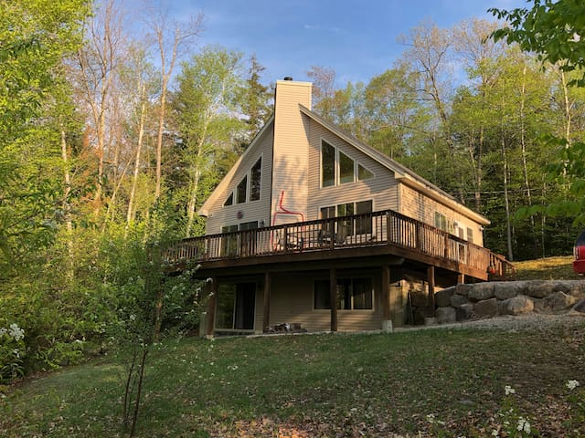 """""""4 Ever Young"""" Open Concept Chalet Conway"""