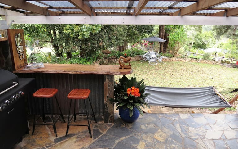 Spacious Home with Tropical Gardens