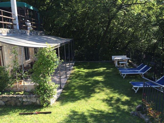 AFSLAPPENDE ELLER AKTIV FERIE - Malcesine - Apartment