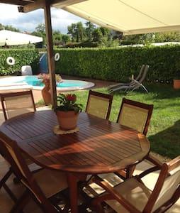 Accogliente trilocale con piscina - San Giovanni In Marignano - Apartment