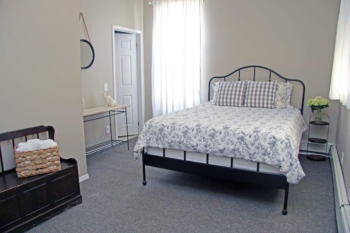 Blue Moose Bed & Breakfast - Room 3