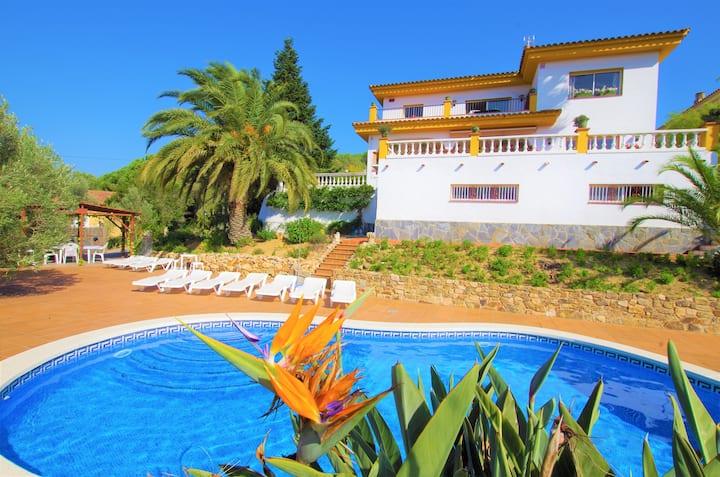 VILLA DALÍ- Vacances & Villas Lloret