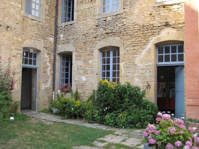 "Gîte Château Sainte Colombe / ""ROSE"" 2 pers."
