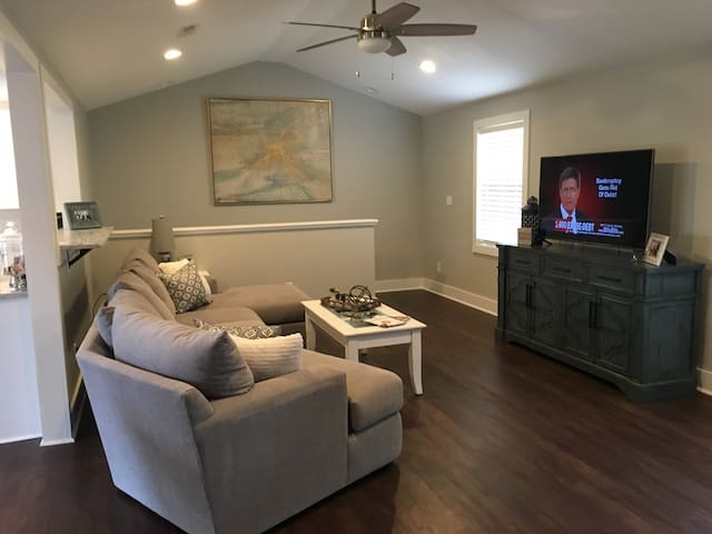 Newly Renovated Open Concept Home!