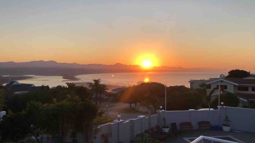 Whales Rest, Apartment with Sea View in Plett