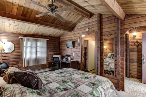 Rib Waters Inn - Deluxe Queen Room