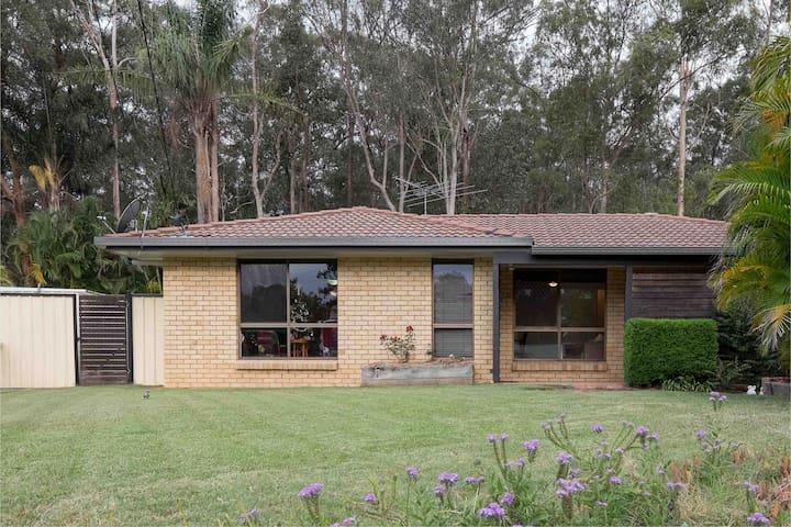 Front yard, backs to bushland