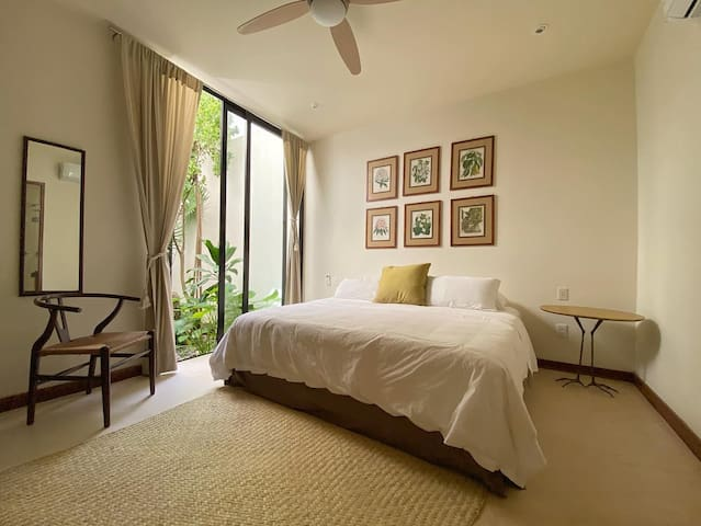 Garden Bedroom (King)