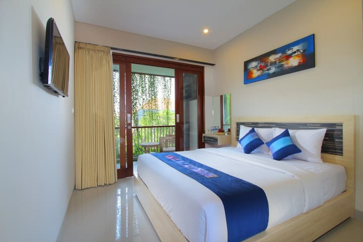 Room for Large Group at SEMINYAK Town