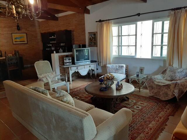 Linda e confortável casa de campo