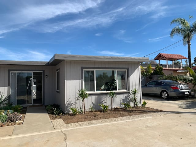 CLEAN Encinitas Home 5 Min Wlk To Popular Beach
