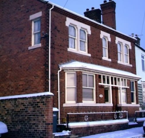 Large Victorian Town house-King - Stoke-on-Trent - Talo