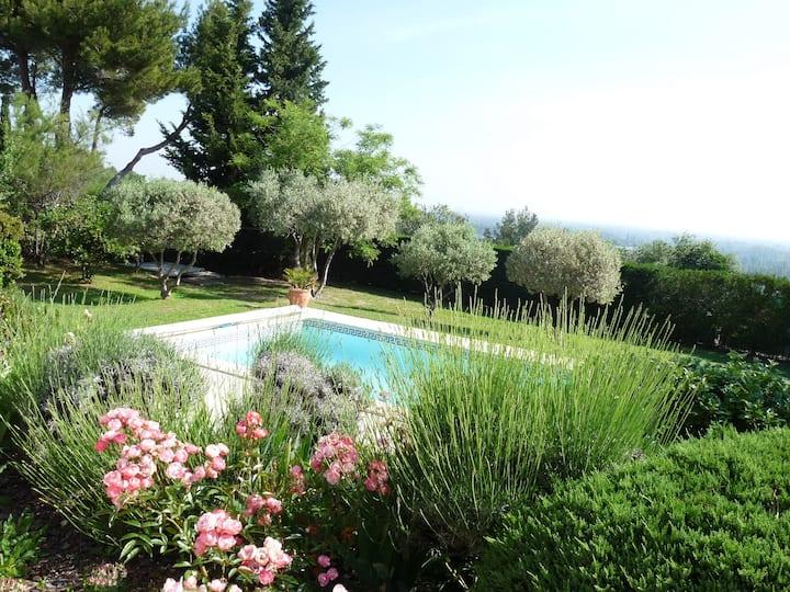 Villa avec vue proche Avignon & Luberon, Provence