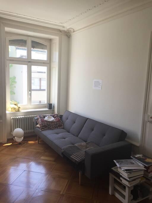 Wohnzimmer (Schlafzimmer 2 mit Schlafcouch 200 x 160)