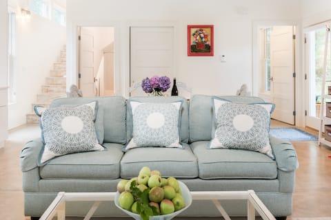 Simple Living at Luxurious, Modern Farmhouse on Bainbridge