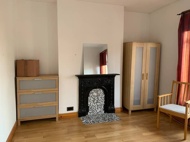 Large Double room with en suite work station