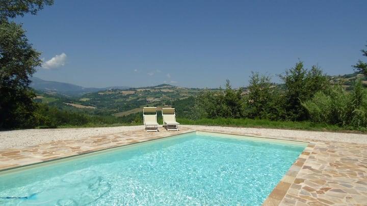 Idyllic Villa - stunning view- Private Pool-10p