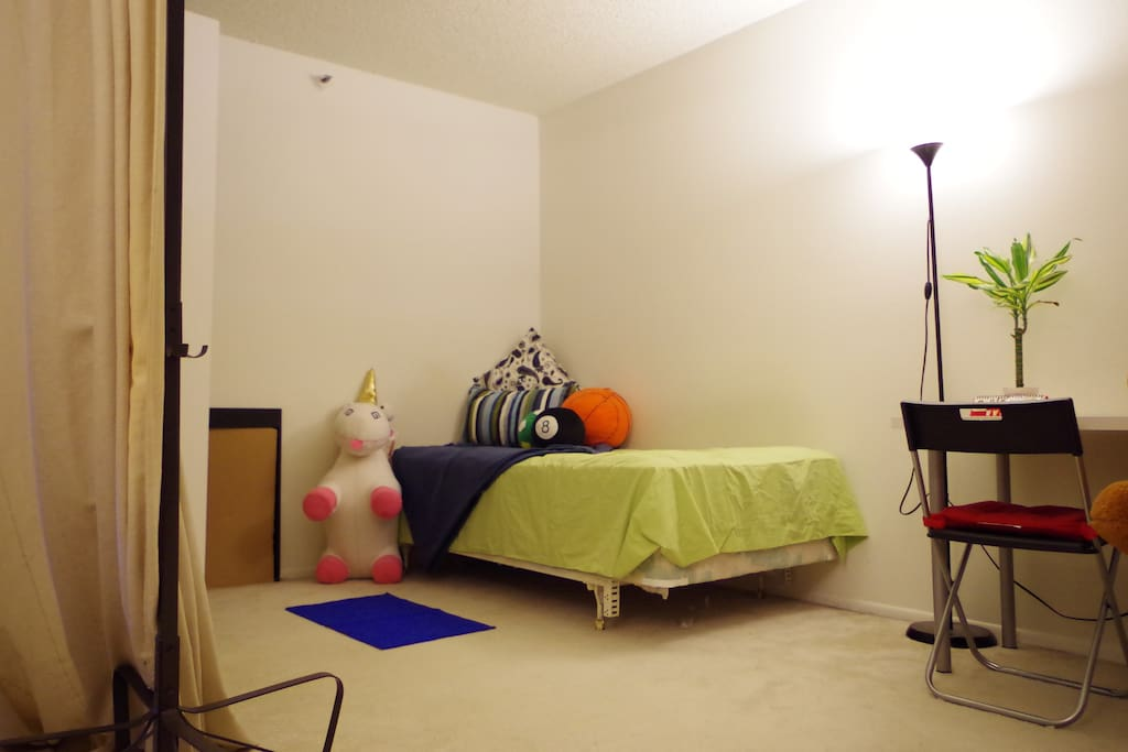 Ucla Westwood Living Room Spacious Apartments For Rent In Los Angeles California United States