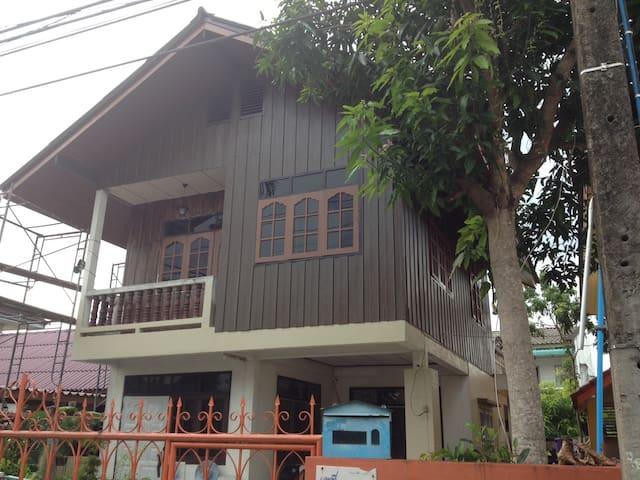 Old mom&dad house - Nakhon Si Thammarat