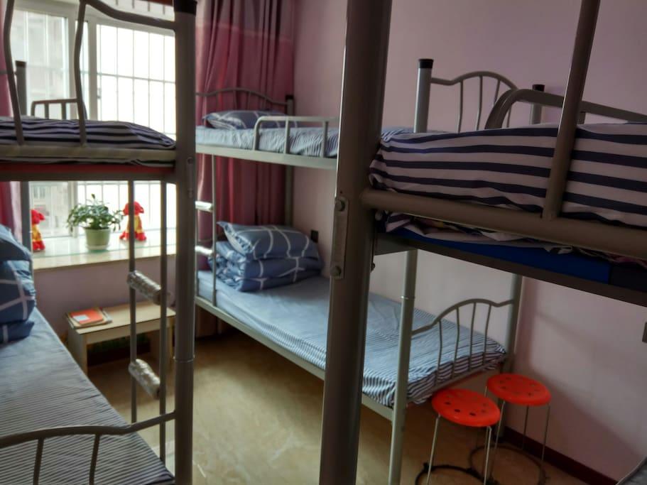 室内双层床3张,可住6人