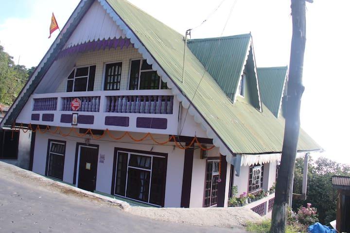 Mystic Mountain Home/Attic rooms - Chaita Pani Tea Garden - Haus