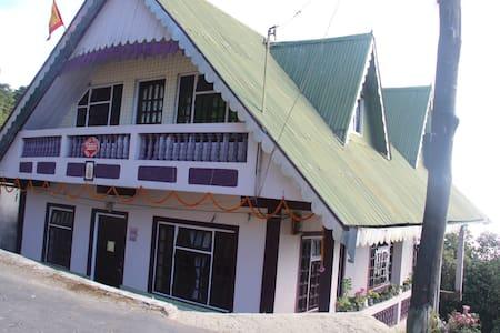Mystic Mountain Home/Attic rooms - Chaita Pani Tea Garden