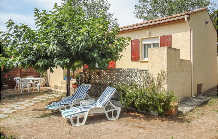 Awesome home in Valras Plage with 2 Bedrooms