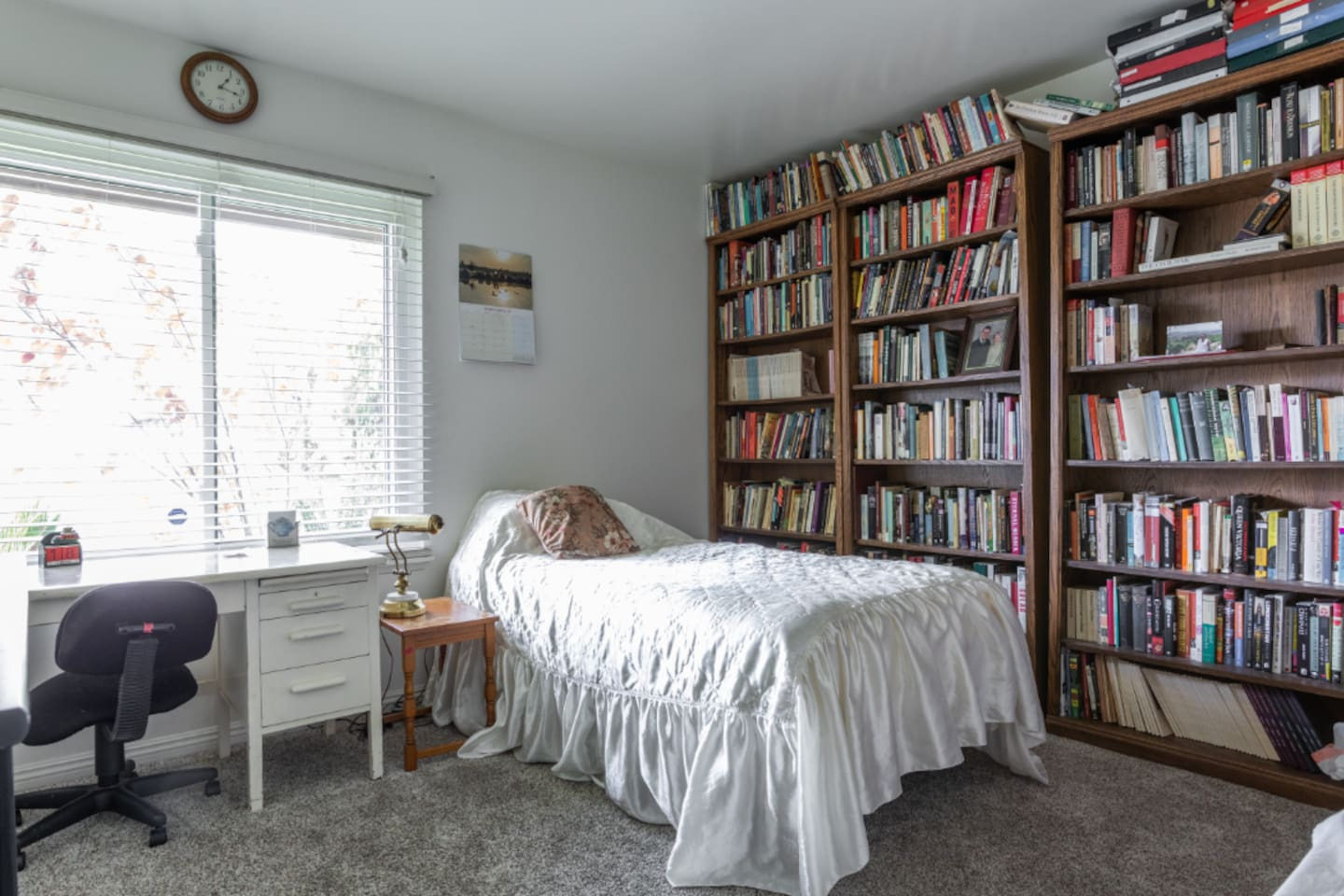 Private single room in remodeled home