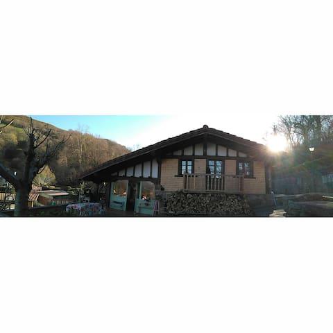 B&B casita de madera/en chalet - Zugarramurdi - House