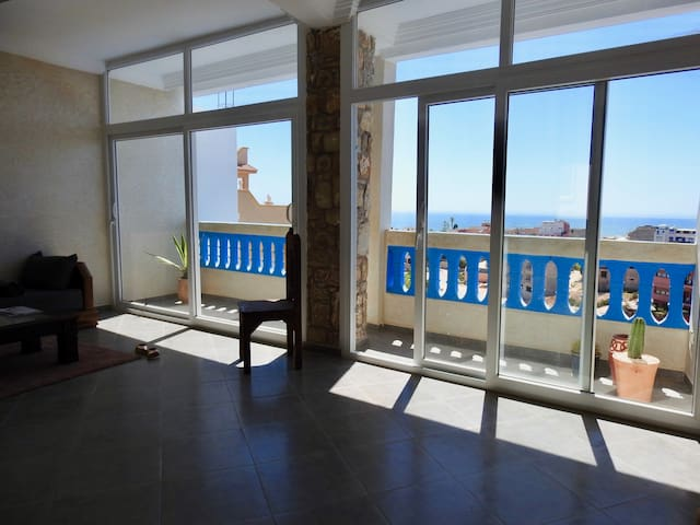 NEW Duplex apartment - terrace & view to the beach