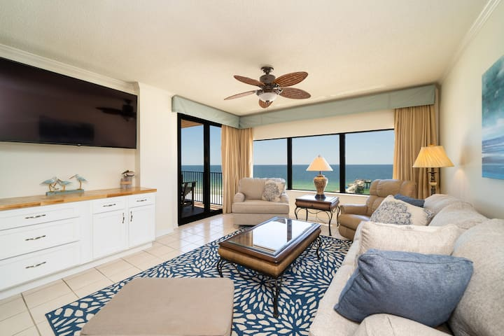 Fantastic Rates! BOOK NOW AND SAVE!*sleeps 10 w/ Fishing Pier on GULF!