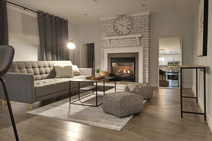 Luxury Cozy Home minutes from the Airport