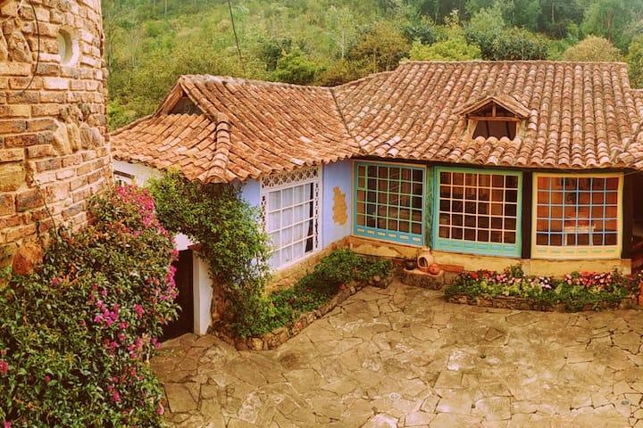 Colonial accommodation in Lodging La Mara