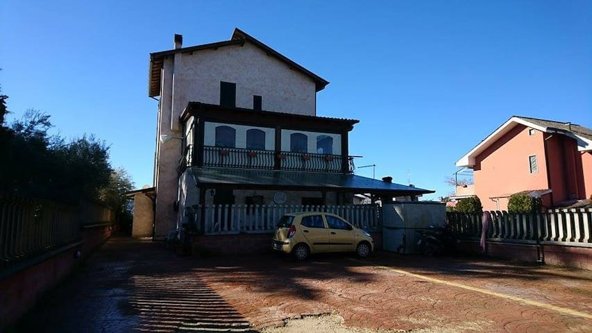 little flat in countryside - Gallicano Nel Lazio - Apartamento