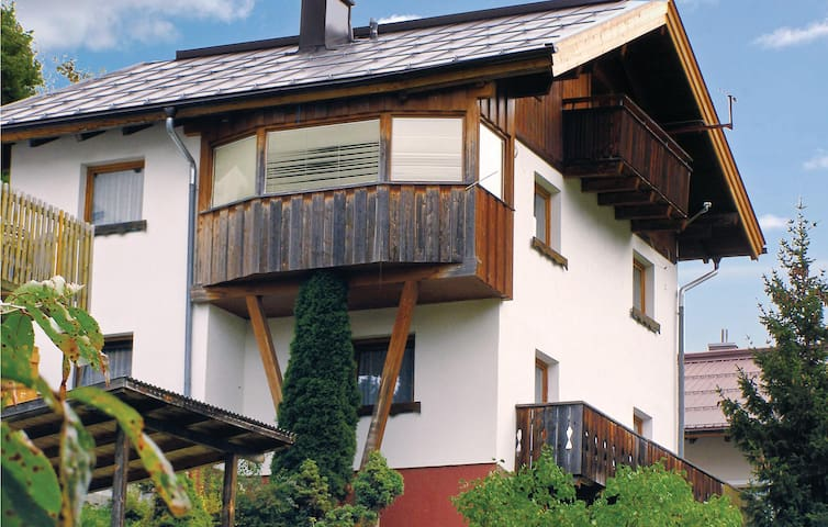 Holiday cottage with 6 bedrooms on 156m² in Kappl