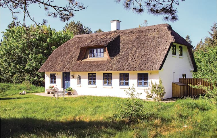 Holiday cottage with 3 bedrooms on 127m² in Rømø
